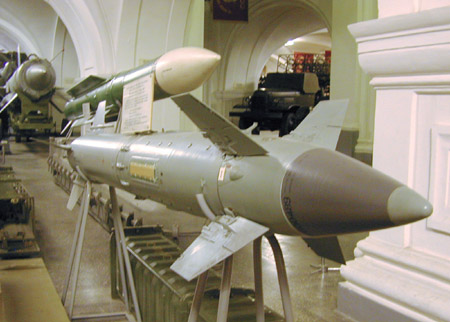 Запорожцы строят в России завод двигателей для крылатых ракет